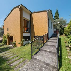 Detached Villa With Garden A Short Distance From The Lake photos Room
