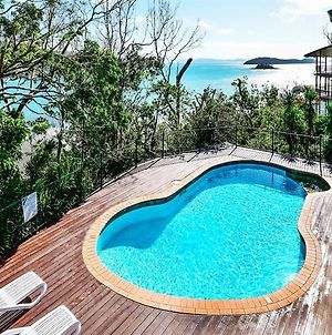 Casuarina Cove 16 Ocean View Deluxe Refurbished 3 Bedroom House Near Marina With Golf Buggy Vr photos Exterior