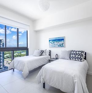 Unique Suite In The Heart Of Downtown Doral photos Exterior