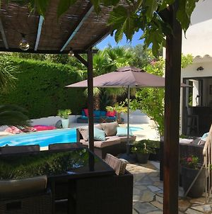 Bed,Kitchen And Swimming Pool Villa Esterel photos Exterior