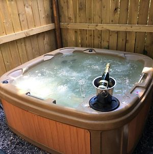 Snowdrop 9 Hot Tub-Woodlandlodges-Pembrokeshire photos Exterior