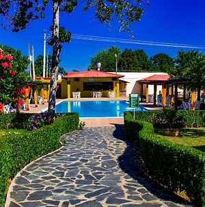 Modern And Secure Hotel With Pools And Restaurants photos Exterior