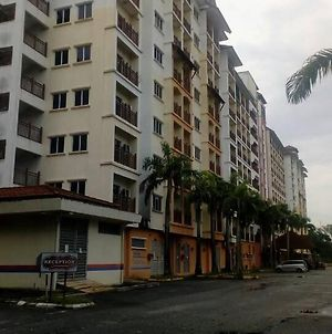 Suria A Apartment Bukit Merah photos Exterior