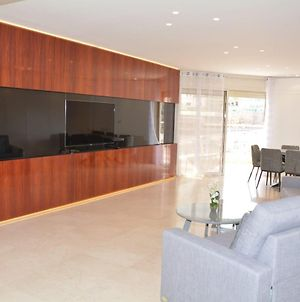 Renovated 3 Bedroom - Residence With Pool Next The Beach photos Exterior