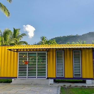 Yellow Cube Roomstay Kontena photos Exterior