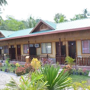 Oyo 709 Telesfora Beach Cottage photos Exterior