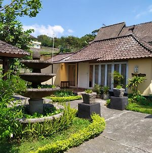 Tropical Garden View Telaga Sari Bedugul photos Exterior