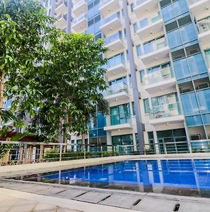 One Palm Tree Condo At Manila Airport T3 By Beth photos Exterior