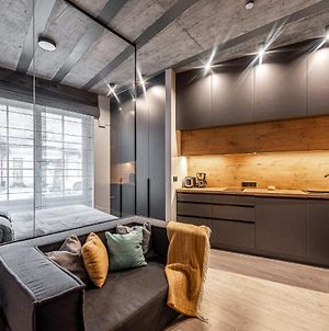 New Modern Designer Studios In The Heart Of Old Town --Aircon-- photos Exterior