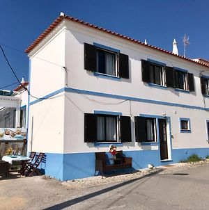 House Located In Opposite Of Beach! photos Exterior