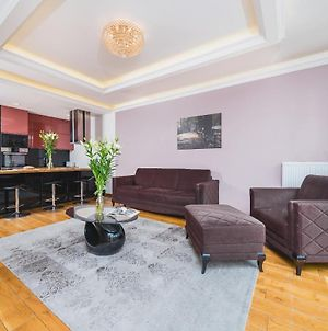 Deluxe Apartment In The Old Town With A Garage - 3 Min From Main Station photos Exterior