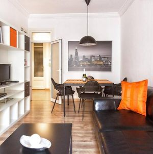 Po Colorful And Bright Apartment photos Exterior