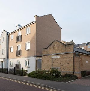 Serenity Stays Treeview Retreat- A Lovely 2 Bed Apartment Near Colchester North Station And Town Centre photos Exterior