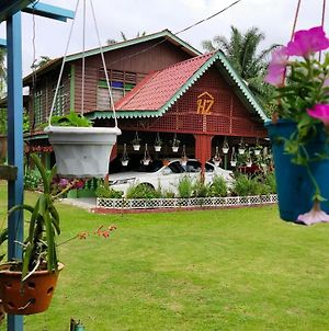 Hz Muslim Homestay photos Exterior