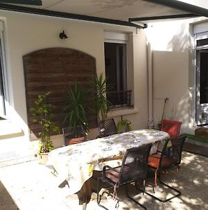 Cosy Rare 2 Bedroom Apartment Around A Private Garden photos Exterior
