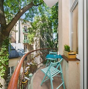 Amazing Rustical 4 Bedroom Central Apartment - 10 Min To The Market Square, 2 Min Food Market photos Exterior