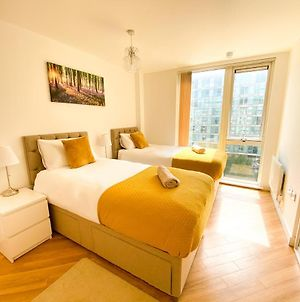 Luxury Central Mk Hub Apartments With Free Parking & Netflix photos Exterior