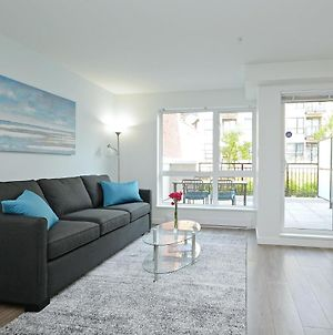 Gorgeous Old Town Condo With Patio And Parking! photos Exterior