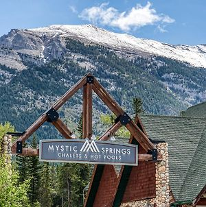 Entire Chalet 2 Bed 2 Bath Eleve At Mystic Springs Hot Tub And Pool Open! photos Exterior