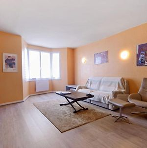 Lovely Pastel Colored 2-Bedroom Near Annecy Train Station Welkeys photos Exterior