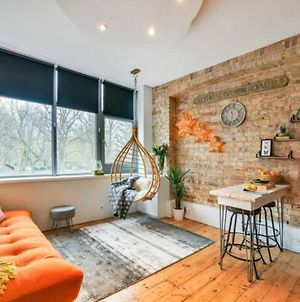 Lovely Studio With Garden View In The Heart Of London photos Exterior