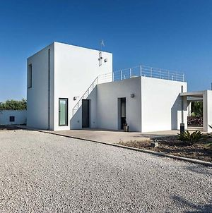 Newly Designed Villa With Barbeque Option In Menfi Italy photos Room