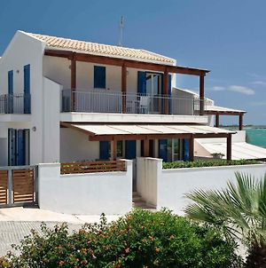 Beautiful Sea-Side House In Sicily photos Room
