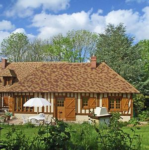Traditional French Holiday Home With Garden In Dampsmesnil photos Exterior