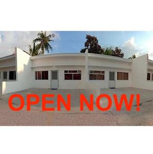 2Br Townhouse Good For 12Pax, 3Km From Pico De Loro & Calayo Cove, With Pdlcc Endorsement & Island Hopping Assistance photos Exterior