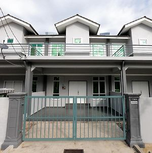 Ayna Homestay 5 Minutes To Marang Jetty photos Exterior