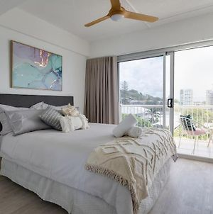 Burleigh Point Beach Vibes Stylish And Modern photos Exterior