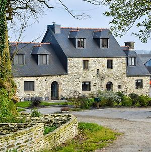 Historic Holiday Home On Working Farm In Le Moustoir photos Exterior
