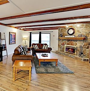 New Listing! Mountain Marvel With Fireplace Condo photos Exterior