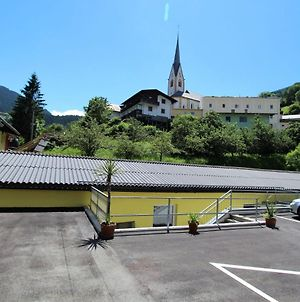Alluring Apartment In Winklern With Terrace, Parking & Supermarket Closeby photos Exterior