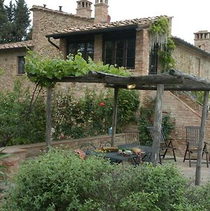 This Romantic Farmhouse Is Located Near The Medieval Village Of Montaione photos Exterior