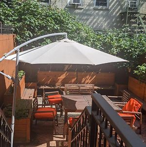 Gorgeous 3 Bedroom 2 Stops From Times Square And Central Park For Families Or Groups With No Smoking And No Parties But Couples And Kids Friendly photos Exterior