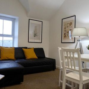 Bright And Modern 4 Person Apartment In City Centre photos Exterior