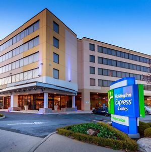 Holiday Inn Express And Suites Stamford photos Exterior