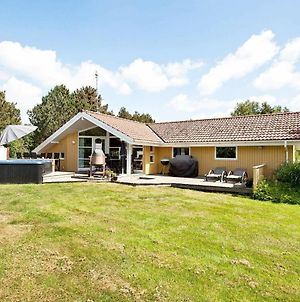 Four-Bedroom Holiday Home In Vaeggerlose 5 photos Exterior