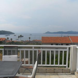 Attractive Island Apartment, Private Balcony With Sea View Over Whole Island photos Exterior