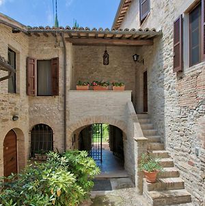 Charming Holiday Home With Large Garden In Bevagna photos Exterior