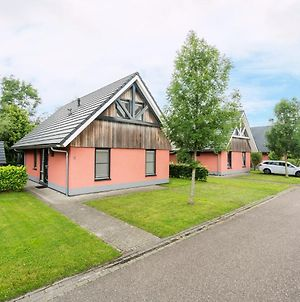 Comfortably Furnished Holiday Home In A Small Park On The Slotermeer photos Exterior