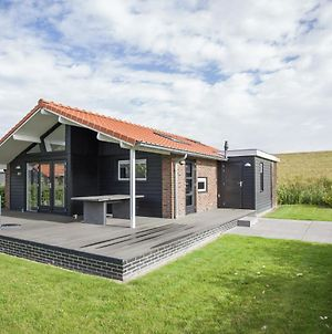 Luxurious Holiday Home In Kattendijke With Terrace photos Exterior