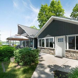 Lovely Lakeside Cottage Ideal For Groups & Families photos Exterior