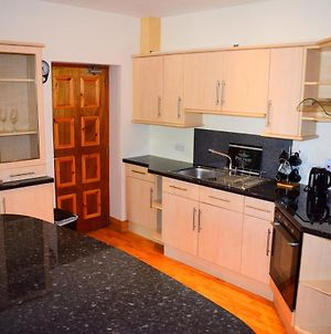 Luxury 2 Bed Serviced Apartment photos Exterior