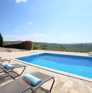 Detatched Villa In Baredine With Pool photos Exterior
