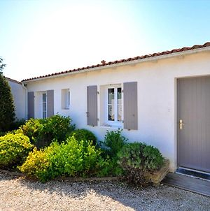 House With 2 Bedrooms In Le Bois Plage En Re With Pool Access Furnished Terrace And Wifi 400 M From The Beach photos Exterior