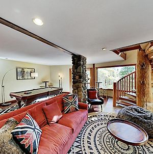 Mountain Retreat With Epic Tahoe Donner Amenities Home photos Exterior