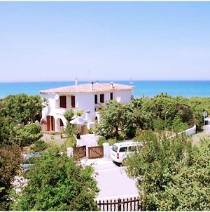 Eden Beach Villa For 8 To 10 People 50 Meters From The Sea, With Private Garden photos Exterior