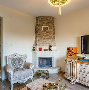 Glorious 4 Bedroom Triplex With Shared Pool And Garden In Sapanca photos Exterior